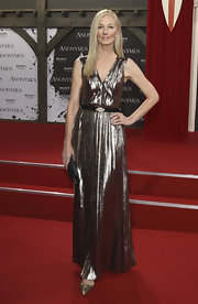Joely Richardson shined at the Berlin premiere of 'Anonymous.' The bronze dress perfectly complemented Joely's statuesque figure.