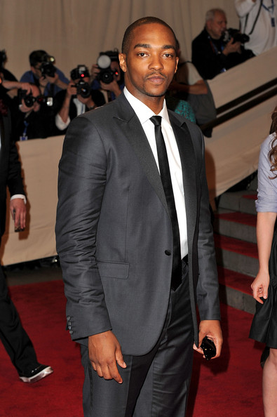 Anthony Mackie Men's Suit [american woman: fashioning a national identity,suit,formal wear,red carpet,tuxedo,carpet,event,fashion,blazer,outerwear,flooring,anthony mackie,arrivals,costume institute gala benefit,metropolitan museum of art,new york city,met gala,opening,exhibition]