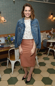 Mandy Moore toughened up her delicate blouse with a denim jacket when she attended Anthropologie's celebration of 'A Denim Story.'