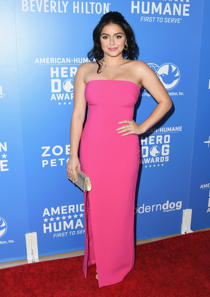 Ariel Winter Strapless Dress [dress,clothing,shoulder,strapless dress,cocktail dress,cobalt blue,hairstyle,carpet,electric blue,premiere,arrivals,ariel winter,2018 american humane hero dog awards,beverly hills,california,the beverly hilton hotel,american humane,ariel winter,dress,fashion,strapless dress,clothing,gown,skirt,shoe,handbag,sequin]