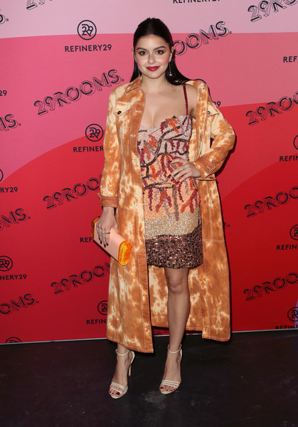 Ariel Winter Printed Coat [fashion model,flooring,shoulder,fashion show,fashion,carpet,leg,catwalk,outerwear,joint,arrivals,ariel winter,reality,los angeles,29rooms,california,the reef,refinery29]
