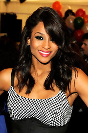 Ciara looked sultry at Mercedes Benz fashion week wearing sultry red lipstick an a smoky lid.