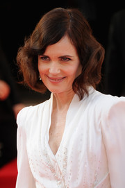 Elizabeth McGovern wore her hair in a high-volume, wavy bob at the Arqiva British Academy Television Awards.