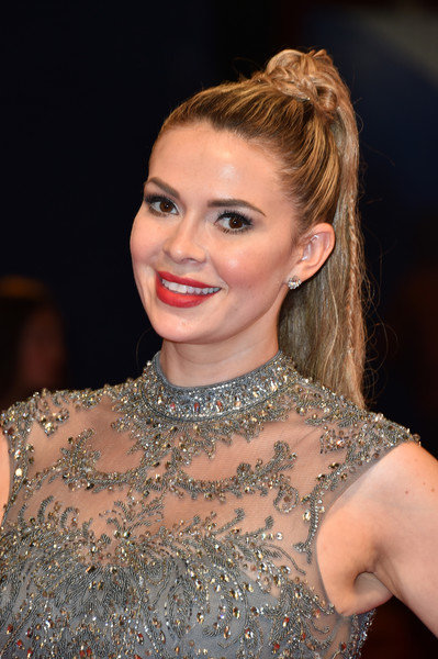 Carly Steel looked cool and glam wearing this partially braided ponytail at the Venice Film Festival premiere of 'Arrival.'