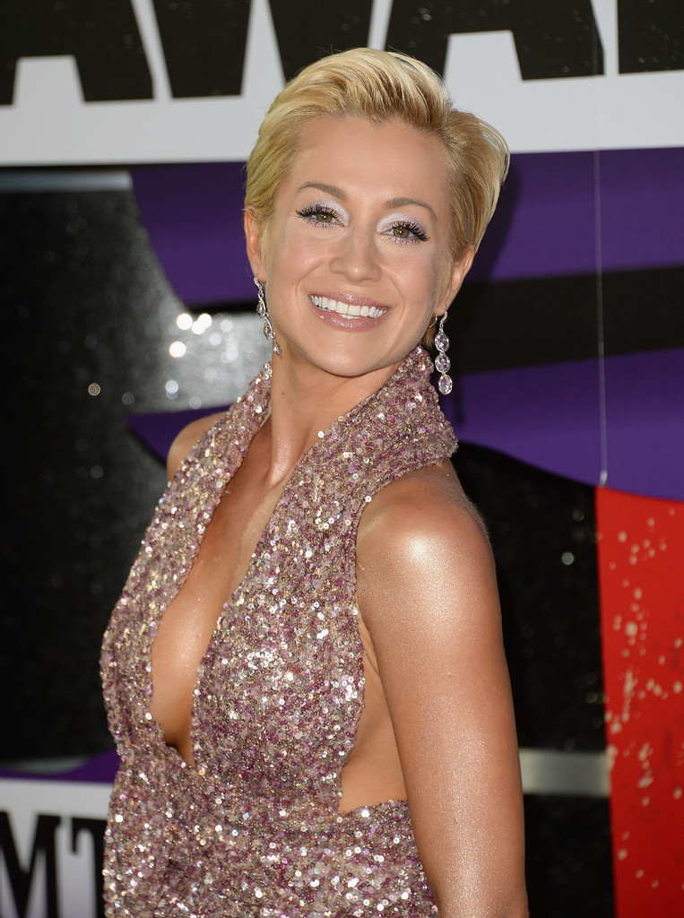 pictures of kellie pickler naked