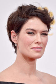 Lena Headey rocked a messy short 'do during the Emmys.
