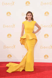 Kate Walsh brightened up the Emmys with this yellow peplum gown by Stephane Rolland Haute Couture.