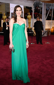 Taya Kyle kept it classy and sophisticated at the Oscars in a billowy green strapless gown.