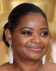 Octavia Spencer pulled her hair back into a simple, classic bun for the Oscars.
