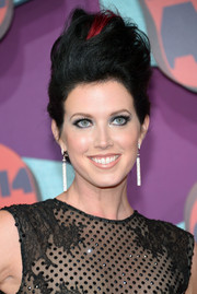 Shawna Thompson rocked a red-streaked pompadour at the CMT Music Awards.