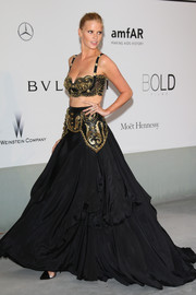 A matching Gianni Versace vintage black skirt completed Lara Stone's head-turning outfit.