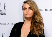 Cara Delevingne looked fabulous at the Elle Style Awards with her windblown side sweep.