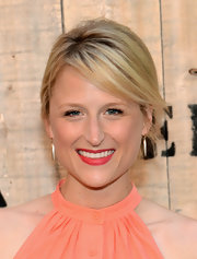 Mamie Gummer pulled her hair up in a breezy loose updo for the Feed USA + Target launch.
