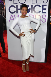 Jennifer Hudson looked amazing in a long-sleeve white Kaufman Franco dress at the People's Choice Awards.