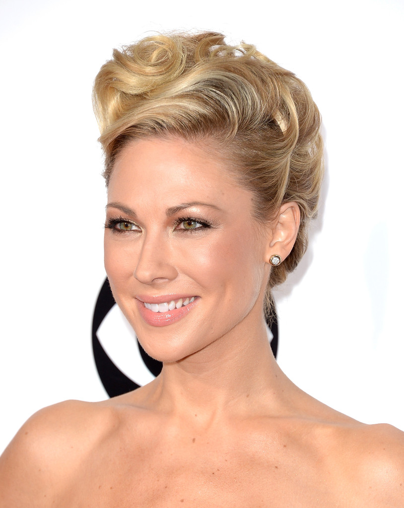 Desi Lydic Best Beauty Looks At The People S Choice
