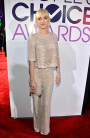 Anna Faris brought subtle sparkle to the People's Choice Awards red carpet with her embellished Naeem Khan blouse.