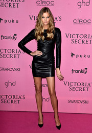 Kate Grigorieva worked an edgy vibe in a long-sleeve leather LBD at the Victoria's Secret fashion show after-party.