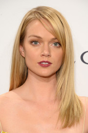 Lindsay Ellingson wore a sleek side-parted 'do when she attended the amfAR New York Gala.