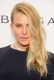 Dree Hemingway rocked this edgy side sweep at the amfAR New York Gala.