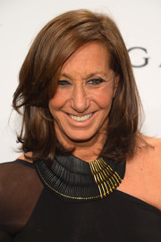 Donna Karan styled her hair in an always-trendy shoulder-length layered cut for the amfAR New York Gala.