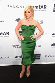 Jane Krakowski was an absolute gem at the amfAR New York Gala in a green Zac Posen strapless dress with a fluted hem and folded detailing.