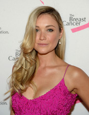 Katrina Bowden styled her hair with spiral waves for a sweet look during the Hot Pink Party.