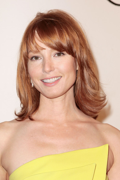 More Pics of Alicia Witt Medium Layered Cut (4 of 19) - Alicia Witt Lookbook - StyleBistro