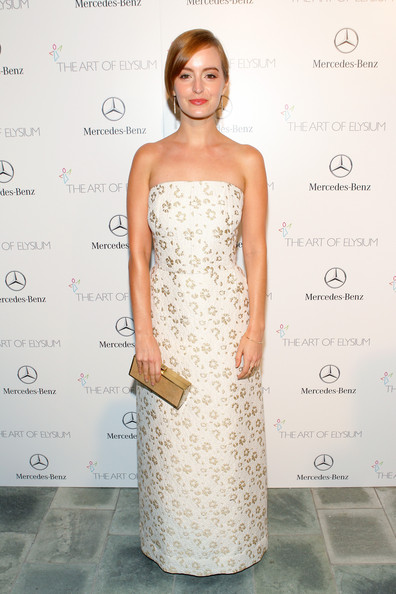 Ahna O'Reilly looked exquisite at the Art of Elysium's Heaven Gala in a strapless white and gold brocade gown by Osman.