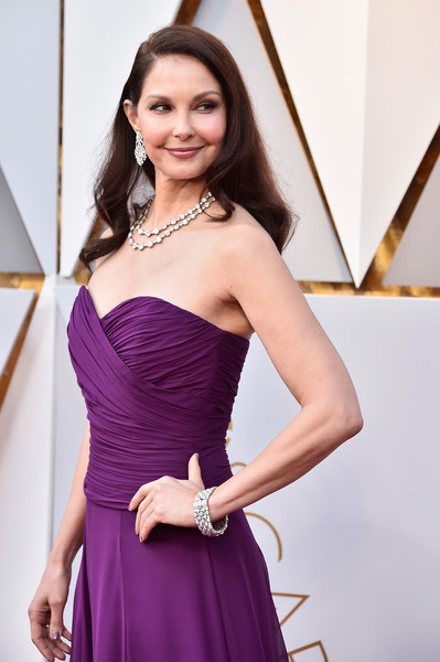 Ashley Judd Diamond Bracelet [dress,clothing,cocktail dress,purple,shoulder,fashion model,beauty,strapless dress,fashion,hairstyle,arrivals,ashley judd,academy awards,hollywood highland center,california,90th annual academy awards]