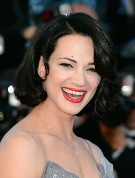 Asia Argento Red Lipstick [hair,face,lip,eyebrow,facial expression,smile,hairstyle,skin,beauty,chin,cannes,france,zulu premiere and closing ceremony,cannes film festival,zulu premiere and closing ceremony,palais des festivals,asia argento]
