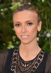 Giuliana Rancic applied a sheer wash of soft metallic copper eyeshadow for a Mother's Day luncheon.