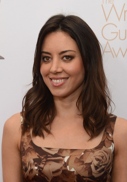 Aubrey Plaza Medium Wavy Cut