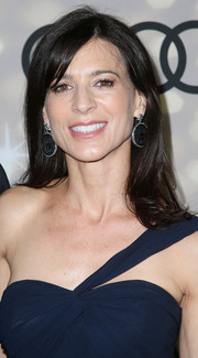 Perrey Reeves sported a simple shoulder-length 'do with a hint of a flip when she attended the Emmy kickoff party.