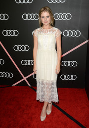 Rose McIver chose a delicate white lace dress for the Golden Globes Weekend celebration.