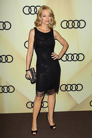 Jeri Ryan looked like a modern day flapper in this LBD dripping in beads.