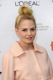 Jennifer Morrison looked funky at the 'August: Osage County' premiere with her towering top-knot.