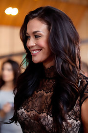Megan Gale wore her long chestnut tresses with lots of waves and tons of body at the seventh season finale of 'Australia's Next Top Model.'