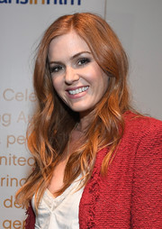 Isla Fisher attended the 'Keeping Up with the Joneses' screening wearing a long wavy hairstyle.