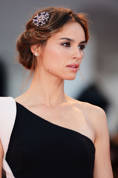 Kasia Smutniak attended the Venice Film Festival award ceremony wearing a regal-looking rolled chignon.