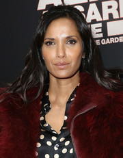 Padma Lakshmi wore her hair in casual waves at the 'Aziz Ansari: Live at Madison Square Garden' New York screening.