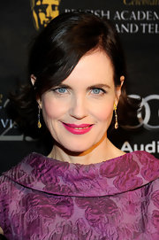 Elizabeth McGovern was head-to-toe retro at the BAFTA tea party with this flip hairstyle and vintage dress.