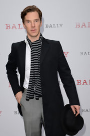 Benedict Cumberbatch looked dapper in a classic striped scarf.