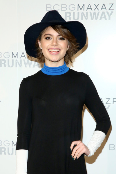 Sami Gayle spiced up her look with a navy walker hat when she attended the BCBG Max Azria fashion show.