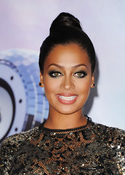 La La Anthony went for a dramatic beauty look with heavy eye makeup when she attended the 2011 BET Awards.