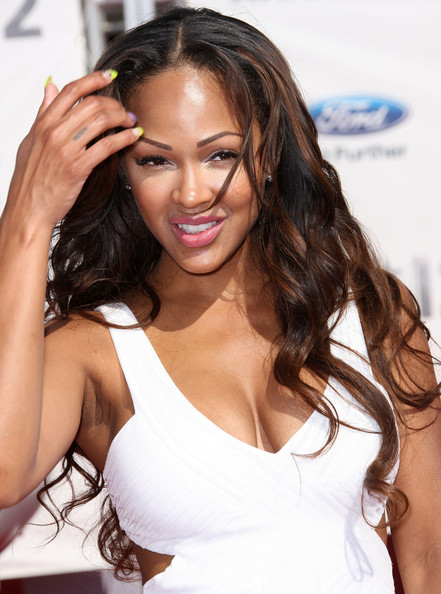 More Pics of Meagan Good Metallic Clutch (4 of 5) - Meagan Good Lookbook - StyleBistro