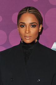 Ciara gave her stare the Midas touch with glimmering gold shadow at the BET's Black Girls Rock 2012 event.