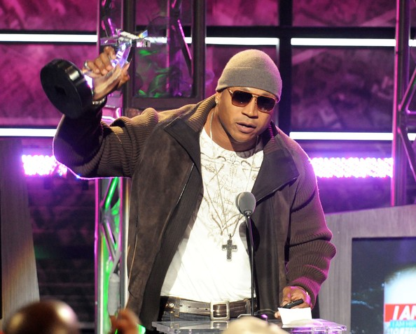 LL Cool J wore a pave chevron double-sided cross at the BET Hip Hop Awards.