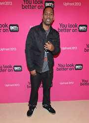Tony Rock chose this quilted, snap-button jacket for his casual but cool look at the BET Upfront event in LA.