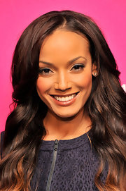 Selita Ebanks enhanced her lips with a burgundy gloss to top off her beauty look at the BET New York Upfront event.