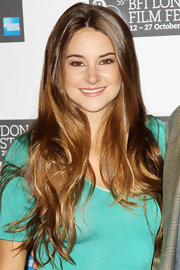 Shailene Woodley wore her impossibly long and healthy locks casually flowing over her shoulders at a photocall for 'The Descendants.'